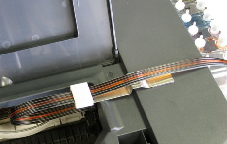 Placing the bracket in the right place - pre-molded for Canon iP4200, iP4300, iP4500 inkjet printers.