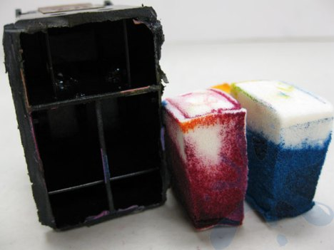 HP 60 sponges removed ink cartridge - sponges not even all the way soaked.