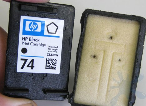 HP hewlett packard ink cartridge cover removed to reveal the internal structure of the HP 74 black inkjet print cartridge.
