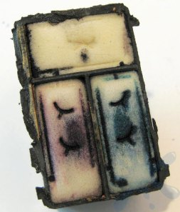 Hewlett Packard (HP) photo ink cartridge 99 - inside the ink cartridge, or where to refill your HP ink cartridge.