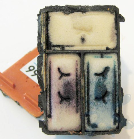 Hewlett Packard HP 99 sponge sponges ink cartridge cartridges.  Internal structure of the HP 99 ink cartridge.