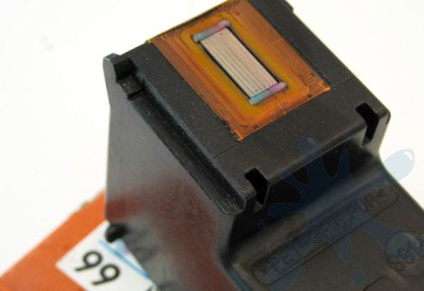 Inside HP inkjet printer cartridges - a look inside the sealed ink cartridges from HP 99 photo color.